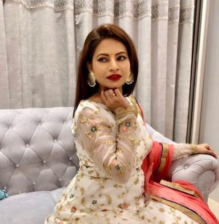 Megha Dhade Wiki, Husband, Daughter, Net worth, Movies, Step Son